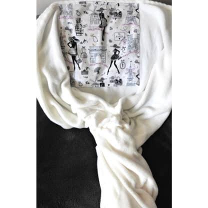 Coussin Plaid Blanc « La parisienne » déplié en format plaid